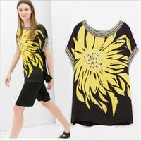 Black And Yellow Daisy Print Short-Sleeve Blouse