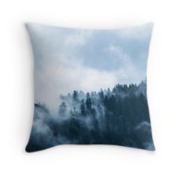 'Fog Forest Mointain' Coussin by Creative-World