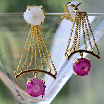 Eye Catching Jewelry! A White and Pink Druzy Earrings in 22 kt Gold Plating. Mother's Day Gift Idea! FREE shipping!