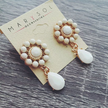 Sara Earring (More Colors Available)