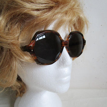 aaa442ee994 Vintage 1960 s American Optical Magnifique CN170T CBRN Large Round 60s  Straight Arm Appeal Sunglasses