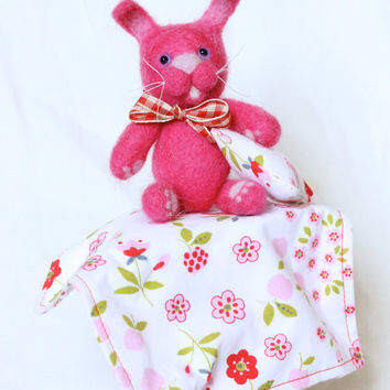 Needle Felted Toy Bunny, Jointed Teddy Bear, Play Set