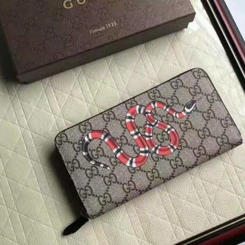 Men Authentic Gucci GG Monogram snake Wallet