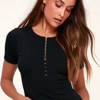 I'm Hooked Black Ribbed Hook and Eye Cropped Tee