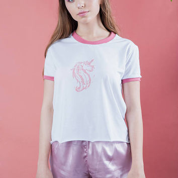 Unicorn tee, unicorn shirt women, unicorn shirt, unicorn top, pink unicorn , hand printed shirt, unicorn print, motif unicorn, unicorns