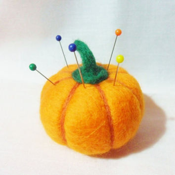Needle Felted Pumpkin Pin Cushion - 100% merino wool - needle felted pin cushion - felted pumpkin