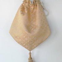Piperscrossing Victorian Style Bag   Cream  Damask Cross body Bag with Tassel