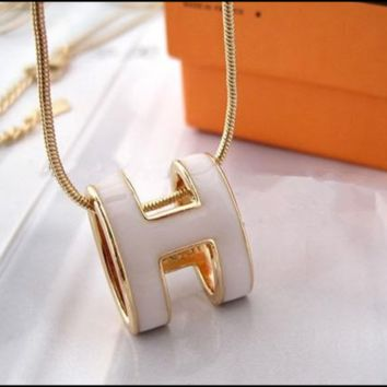 Hermes:Small fresh rose gold gold oval necklace snake chain
