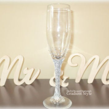Custom crystal embellished STEM toasting flutes. Toasting glasses. Champagne flutes for weddings- anniversaries- party