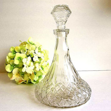 Vintage Decanter pressed glass diamond quilted pattern, wine whiskey brandy decanter, carafe, pleated vessel with stopper Mid Century