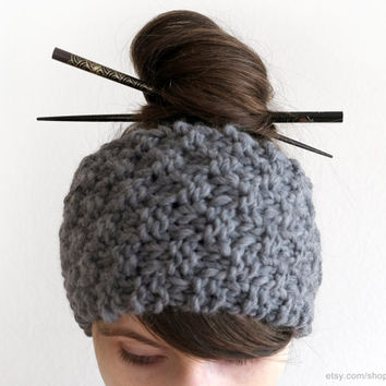 Textured wide headband, hand knit hairband, grey or mauve wool headwrap, chunky soft ear warmer, cold weather, winter sports, small gift
