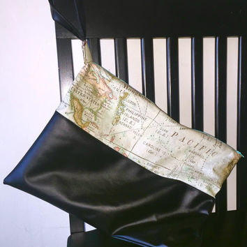 World Map Cosmetic Bag,Clutch,Travel Bag,Toiletry Bag,Zipper Pouch,Accessory Bag,Envelope Clutch,Purse,Make-Up Bag,Wristlet,Gift,Present