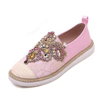 Hot sales 2017 women fashion Flats Shoes Spring Autumn Comfortable Women Loafer shoes Slip-On Round Toe Rhinestone Casual Shoes