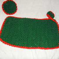 handmade crocheted Christmas placemat set by CanadianCraftCritter