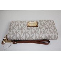 NEW LARGE MICHAEL KORS JET SET TRAVEL CONTINENTAL WALLET CLUTCH WRISTLET VANILLA