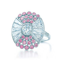 Tiffany & Co. - Ring in platinum with white and Fancy Vivid Pink diamonds.