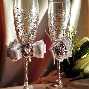 Wedding silver glasses Champagne flutes Silver wedding toasting glasses silver Flutes Silver wedding toasting flutes Set of 2 Silver flutes