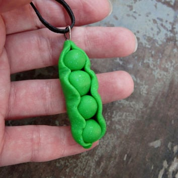 Peas Necklace, Pea Pod Necklace, Kawaii Green Jewelry, Sweet Peas in a Pod Pendant,  Peas Polymer Clay Charm