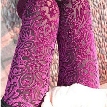 2017 Autumn Women Lace Leggings Hollow Carved Peach Heart Gold Velvet Leggings Sexy High Elastic Through Skin Legging