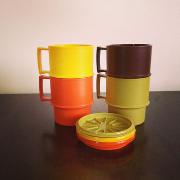 Vintage Tupperware 4 Fall Color Mugs / 8 ounce Plastic Cups and 3 Coasters