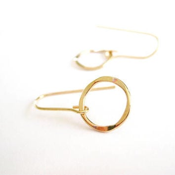 Gold Hoop Earrings, Gold Earrings, Gold Earring, Circle Earrings, Simple Gold Dangle Earrings | Dainty Hoops. Timeless Earrings. Gold Hoops