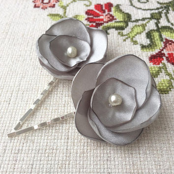 silver gray flower hair pin, bridal accessory, brides flowers, bridesmaid gift