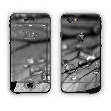 The Grayscale Watered Leaf Apple iPhone 6 LifeProof Nuud Case Skin Set