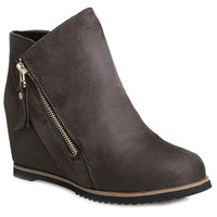 Side Slant Zippered Ankle Boots with Internal Increase