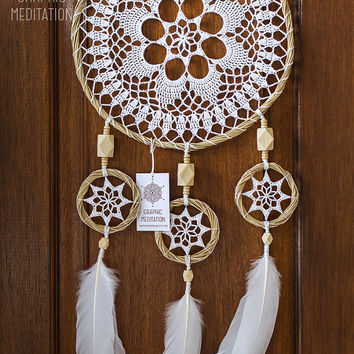Large dream catcher wall hanging, White doily dreamcatcher, Unique wedding gift dream catcher, Triple lace crochet dreamcatcher for nurcery