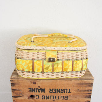 Vintage Sewing Box // 1970s Retro Sewing Case // Vintage Yellow Wicker Box // Sewing Purse Luggage