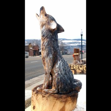 Coyote Carving - Chainsaw Carving, wood carving, chainsaw carved coyote, cabin art, cabin decor