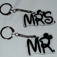 Disney  Mr and Mrs Key Chains Charms