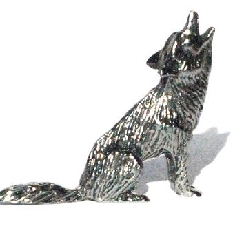 Howling Coyote Pewter Figurine 1 1/2 Inch long  Lead Free