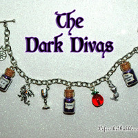 Disney Villains, Villainess, The Dark Divas, Evil Queen, Maleficent, Ursula, Wicked Charm Bracelet