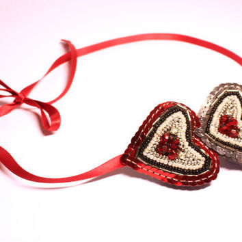 Heart shaped beaded hairband. Vintage style sequin Valentine headband. Red hearts. Flapper girl Art deco accessory. Black, Silver, Pearl.