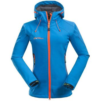 2017 Women's Outdoor Softshell Hiking Jacket