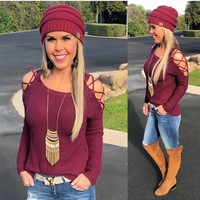 Give me the Scoop Caged Cold Shoulder Top: Burgundy