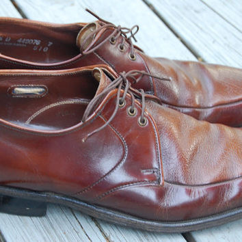 Vintage 50s 60s 70s Weyenberg Massagic Brown Lace Up Oxfords Brogues Shoes Mens Size 9.5 D