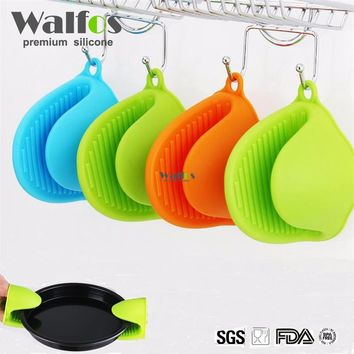 WALFOS food grade 1 piece Heat Resistant Microwave cooking tools Silicone Oven Mitt Cooking Pinch Grips Skid Silicone Pot Holder