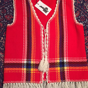 Vintage 70s Red Handmade Mexican Crocheted Fringed Bohemian Sweater Vest w/ Tassel Tie S // M