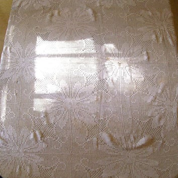 VIntage Crocheted Table Cloth