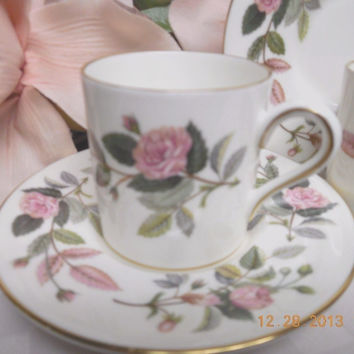 Wedgwood white China England Hathaway Rose Can shape Demitasse Cup and saucer