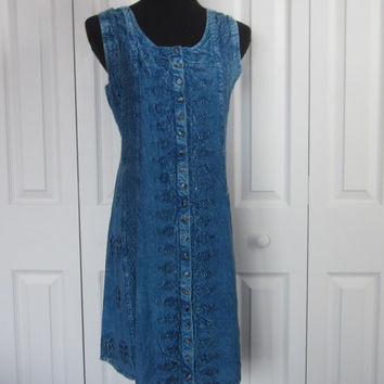 Vintage Grunge Button Front Dress Raya Sun Sleeveless Dress Crinkled Blue Rayon Denim Look with Embroidery Front. Womens Medium Hippie