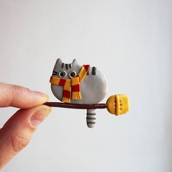 Christmas in july Gryffindor cat Harry Potter Pusheen brooch Pusheen pin Kawaii cat Summer brooch Summer outdoor Summer party Hogwarts cat