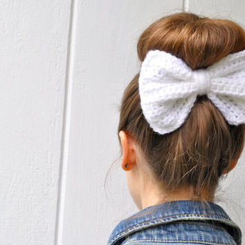 Crochet Hair Bow -- 16 colors -- 1 for 10 dollars