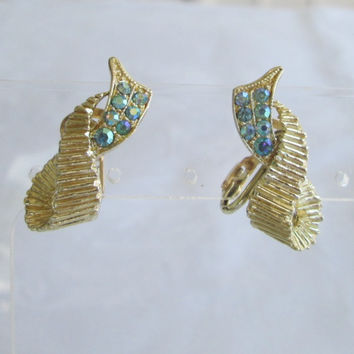 Aqua Blue Rhinestone Clip On Earrings Ribbed Ribbon Vintage Jewelry
