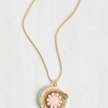 Goldie Locket Necklace | Mod Retro Vintage Necklaces | ModCloth.com