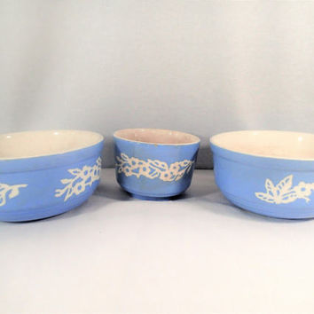 Harker Cameo Ware Set of 3 mixing bowls Dainty Flower Virginia or Zepher Blue with Branch of White flowers stoneware Shabby Farmhouse Chic