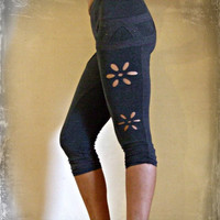 Stella leggings are soft and comfortable, made from Cotton/Lycra fitting to Yoga, sport, party, everything...