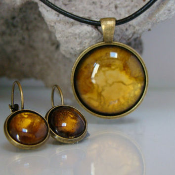 Dangle Earrings Amber gold and bronze Pierced Earring Hand painted glass earrings with a hinged snap back Round dangle earrings Alcohol ink